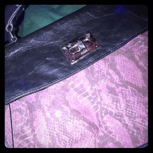 Handbags - Cute snakeskin crossbody purse 💜